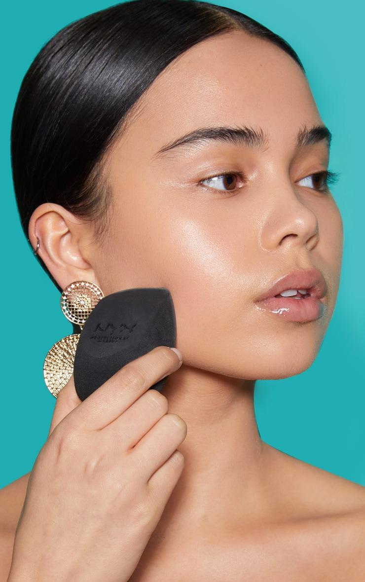 NYX Professional Makeup Complete Control Blending Sponge image 1