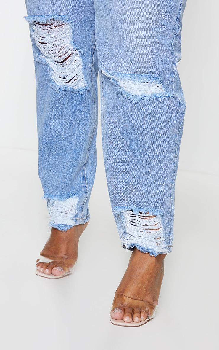 PRETTYLITTLETHING Plus Light Blue Wash Extreme Distressed Hem Knee Rip Mom Jean 4