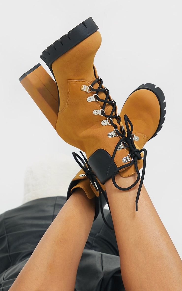 Tan Suede Contrast Pu Back Eyelet Lace Up Heeled Ankle Boots 2