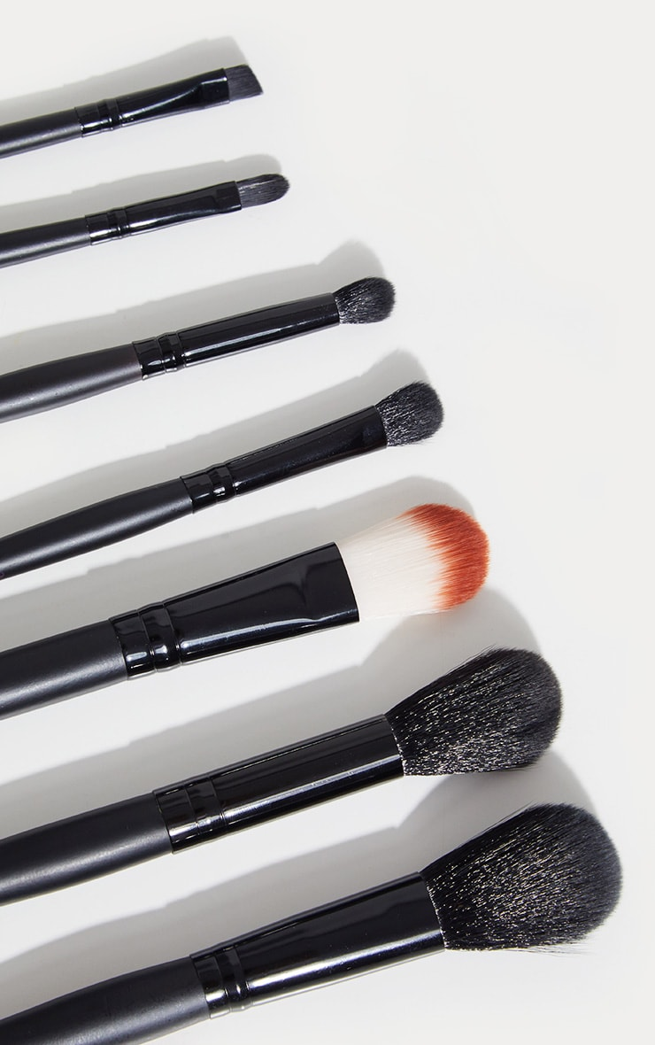 Sleek MakeUP Black 7-Piece Brush Set 1