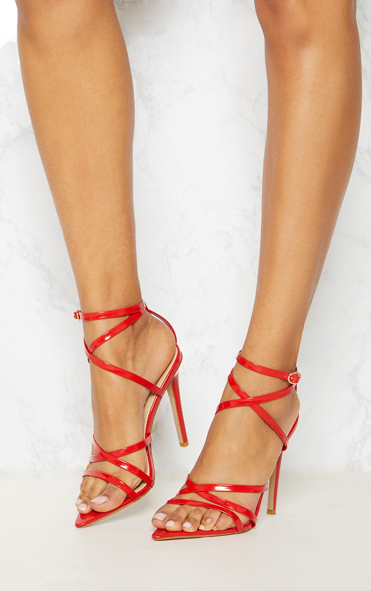 chaussures rouge talons pretty little things