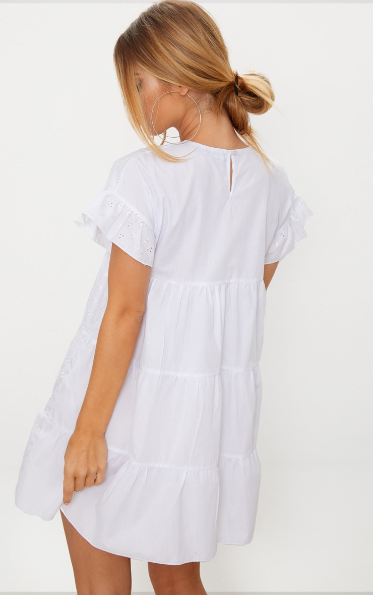 Robe babydoll en broderie anglaise blanche 2