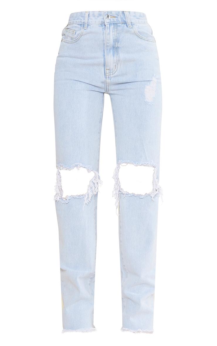 بنطلون جينز أزرق فاتح باهت بقصة ساق مستقيمة وخصر عالٍ وتفاصيل ممزقة 5
