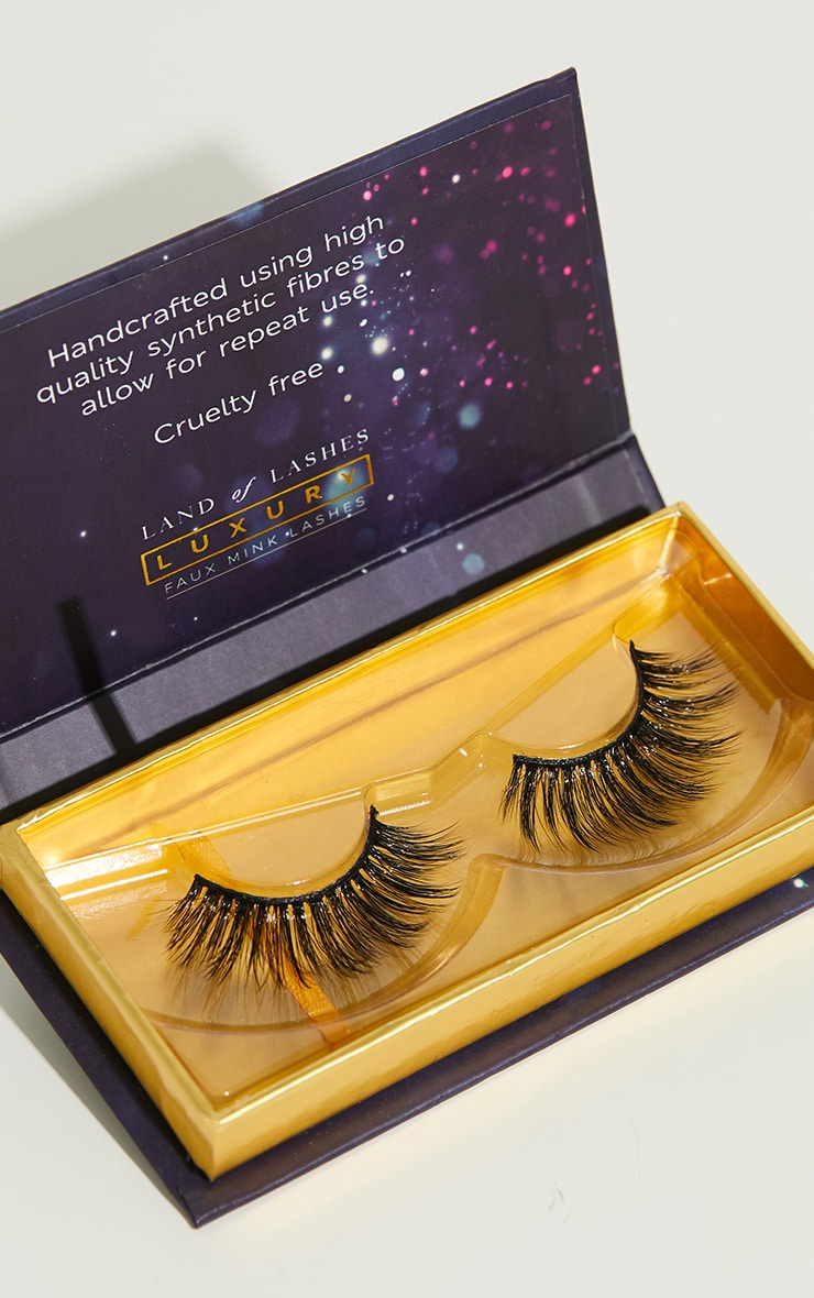 Land of Lashes Luxury Faux Mink Ritz 3