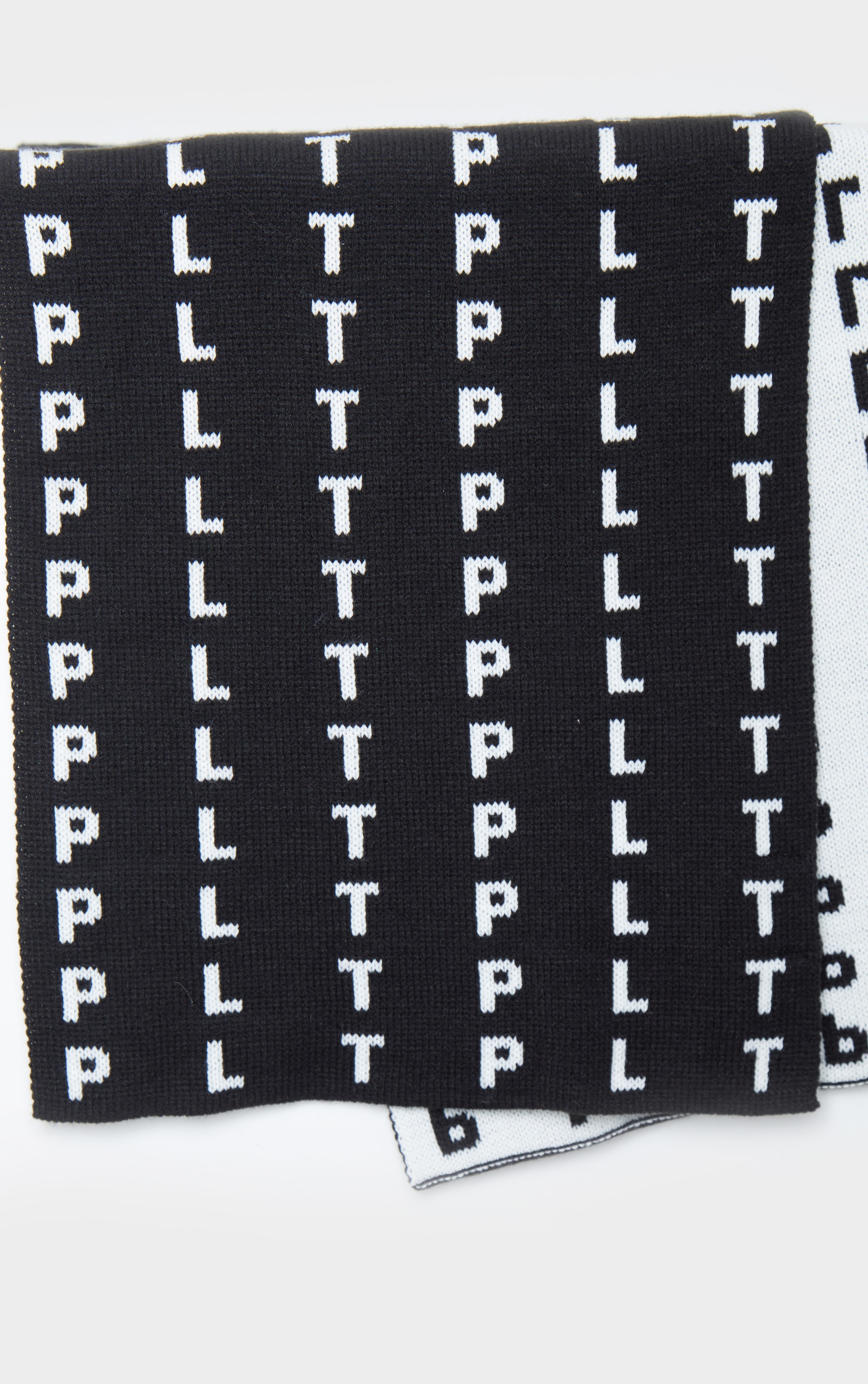 PRETTYLITTLETHING Black All Over Print Scarf 2