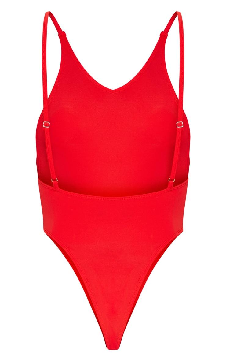 Red Minimal Basic Swimsuit 8