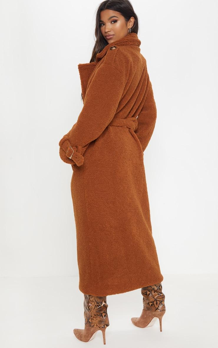 Manteau oversized en faux mouton marron à détail ceinture 2