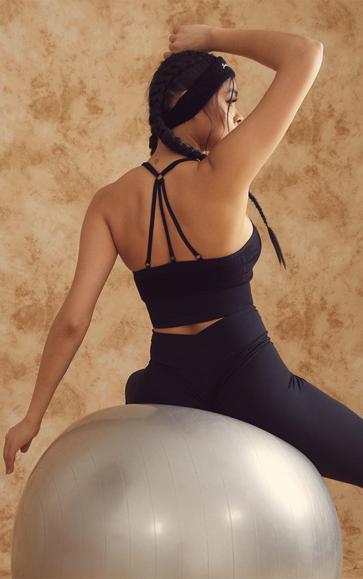 Soutien-gorge de sport en mesh noir à fines bretelles 2