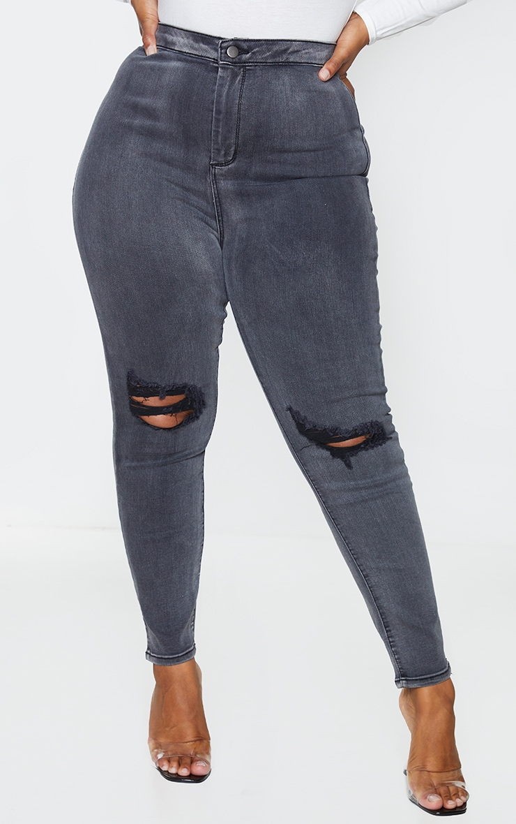 PRETTYLITTLETHING Plus Washed Black Knee Rip Disco Skinny Jeans 2