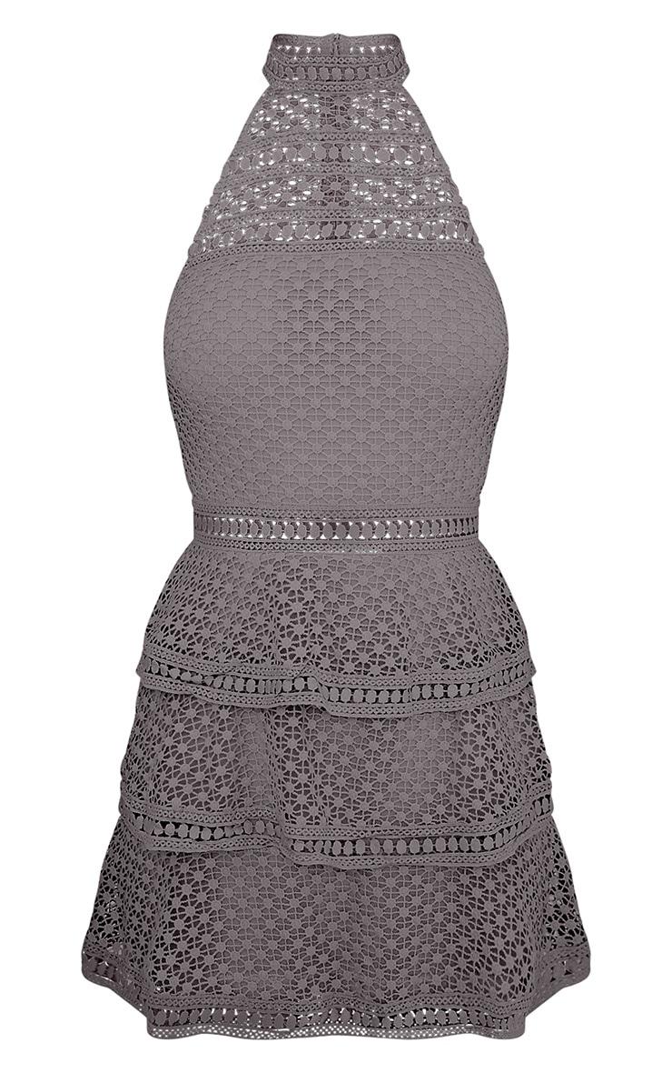 Raine Premium mini-robe grise à volants à empiècement dentelle 3