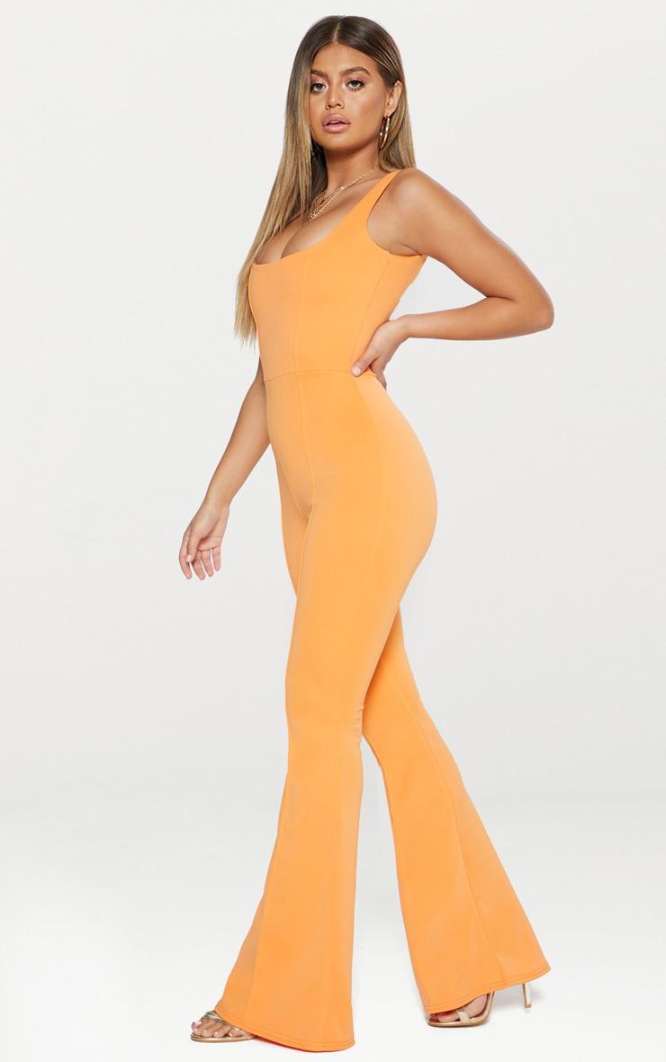 Combinaison orange à encolure carrée et coutures apparentes 4