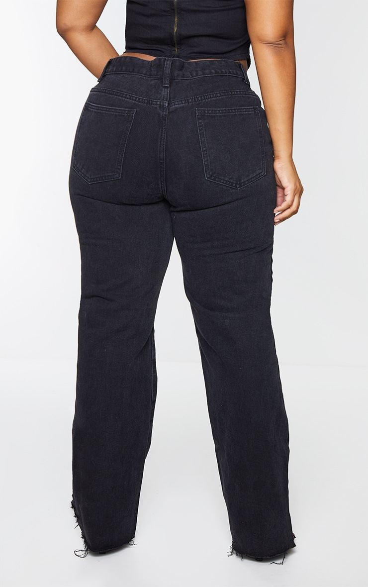 PRETTYLITTLETHING Plus Black Long Leg Straight Jeans 3