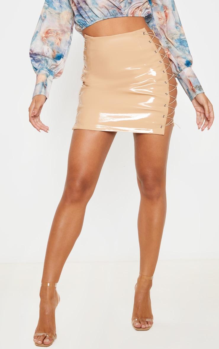 Mini-jupe en vinyle gris pierre à lacets  2