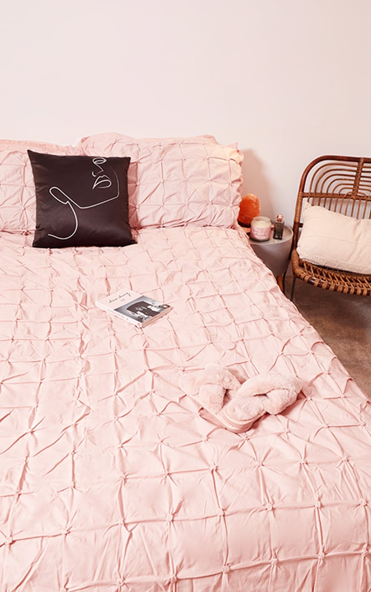 Dusty Pink Ruched Pin Tuck King Duvet Set Prettylittlething Uae