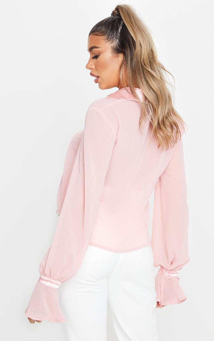 Chemise en mousseline de soie rose pâle à détail manches resserrées 2