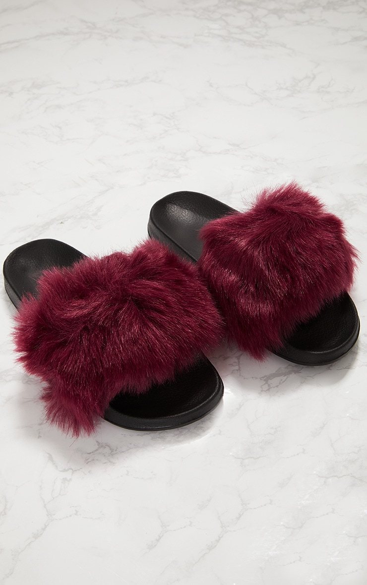 Burgundy Faux Fur Slider 1