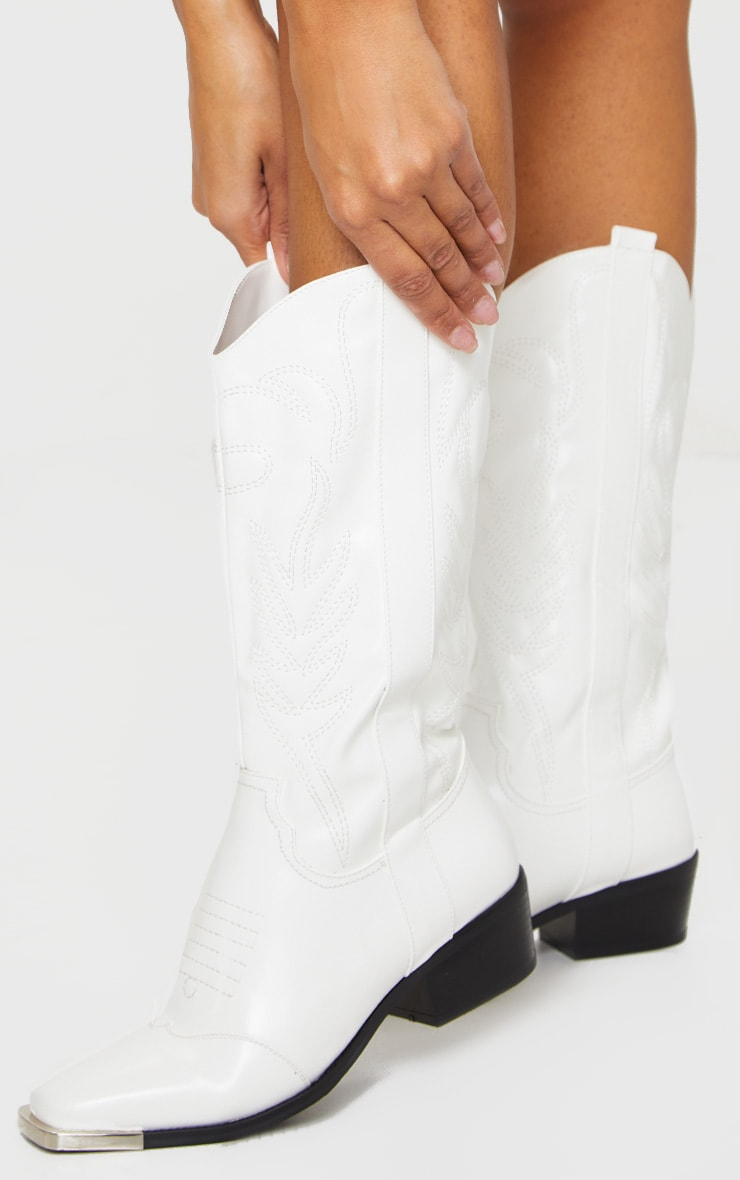White Contrast Stitch Square Toe Western Calf Boots 2