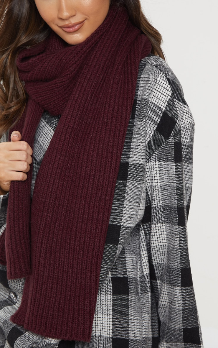 Burgundy Ribbed Knit Scarf 2