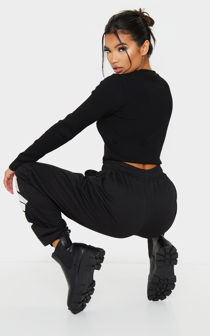 PRETTYLITTLETHING Black Ribbed Crop Sweater 2