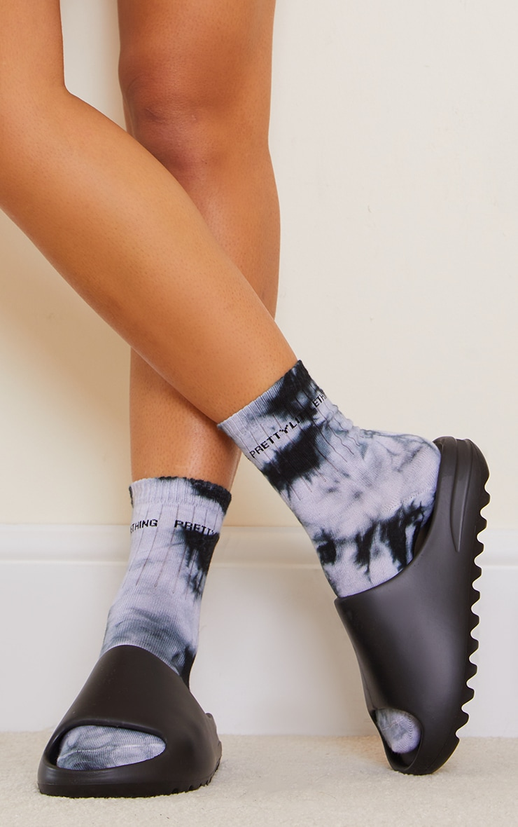 PRETTYLITTLETHING Black Tie Dye Socks 1