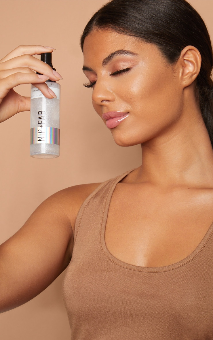 NIP&FAB Make Up Illuminating Fixing Mist 4
