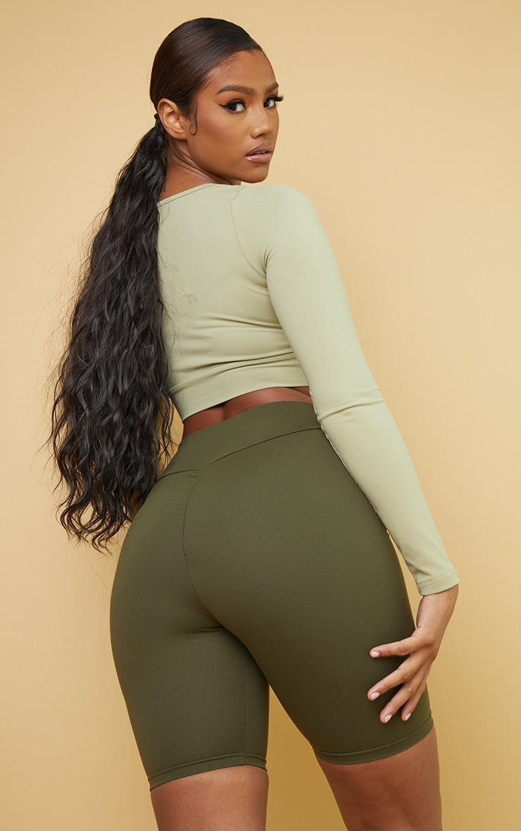 PRETTYLITTLETHING Olive Sport Cool Down Long Sleeve Crop Top 2