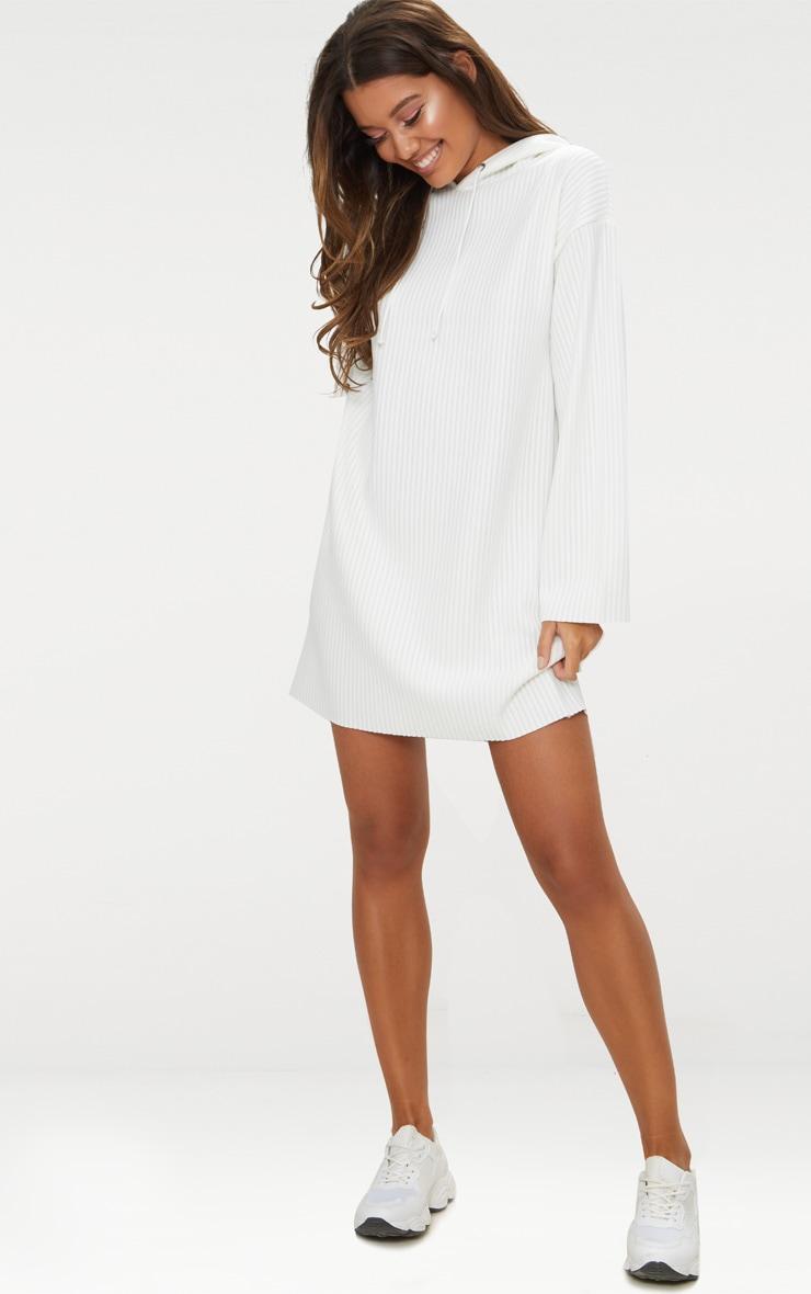 Robe pull côtelée blanche à capuche 3