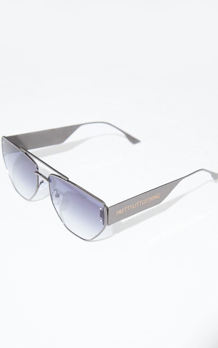 PRETTYLITTLETHING Black Metal Frame Angled Aviator Sunglasses 2