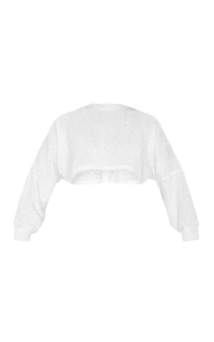 Pull en maille duveteuse blanche à manches chauve-souris 3