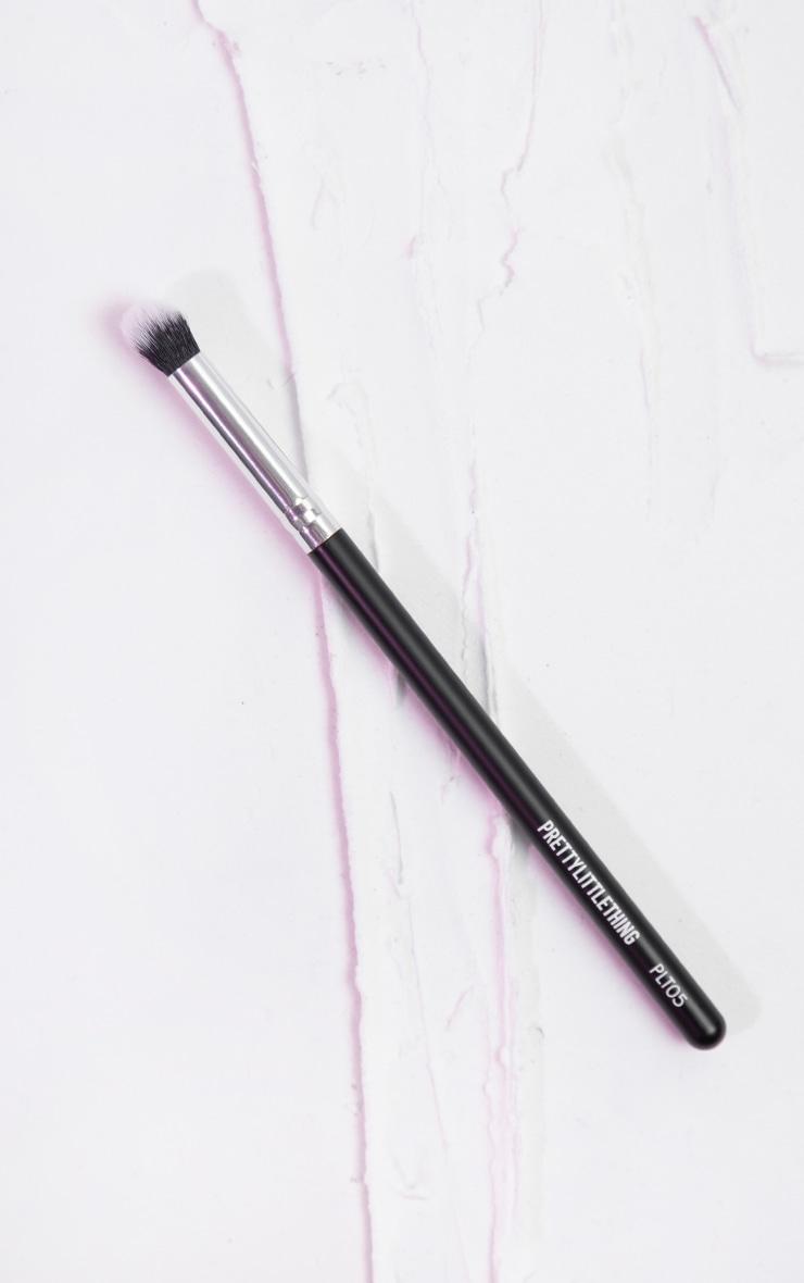 PRETTYLITTLETHING Concealer Buffing Brush PLT05 1
