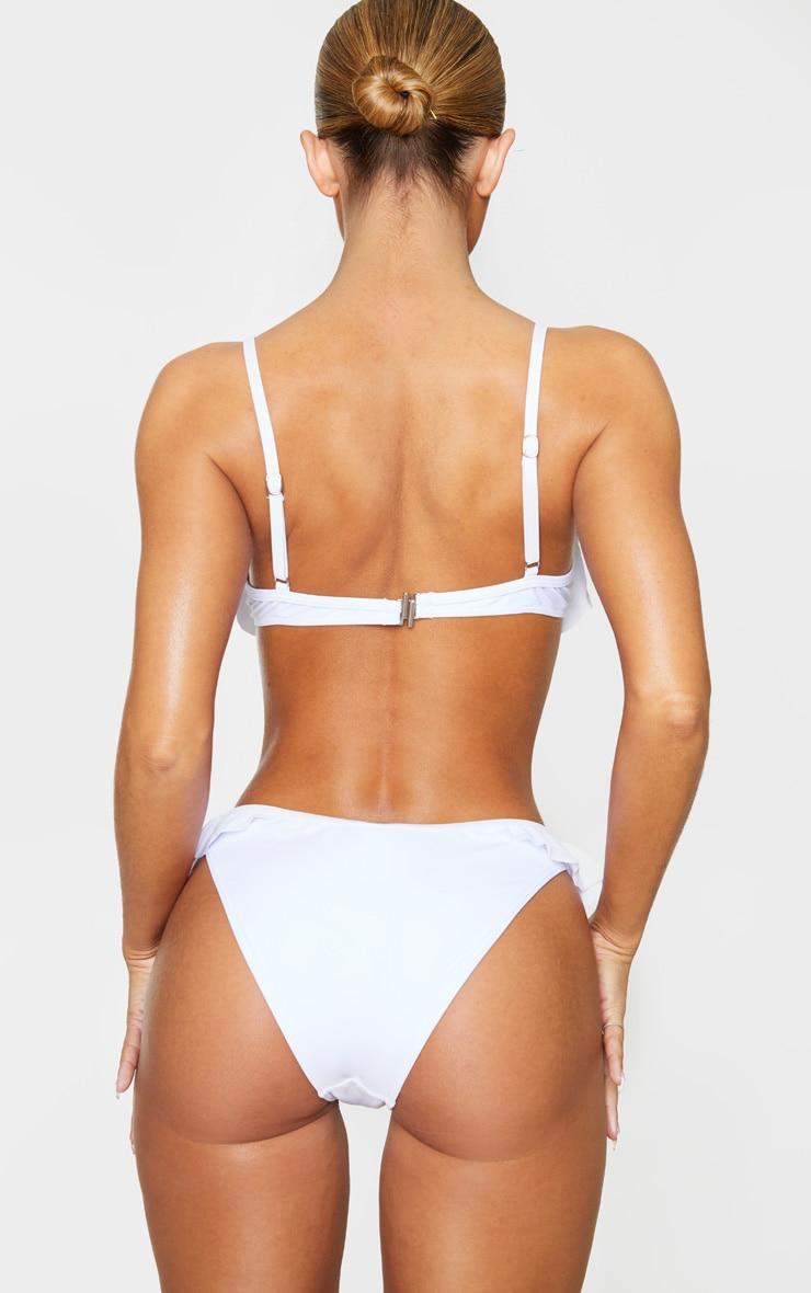 Bas de bikini blanc à ourlet volanté 3