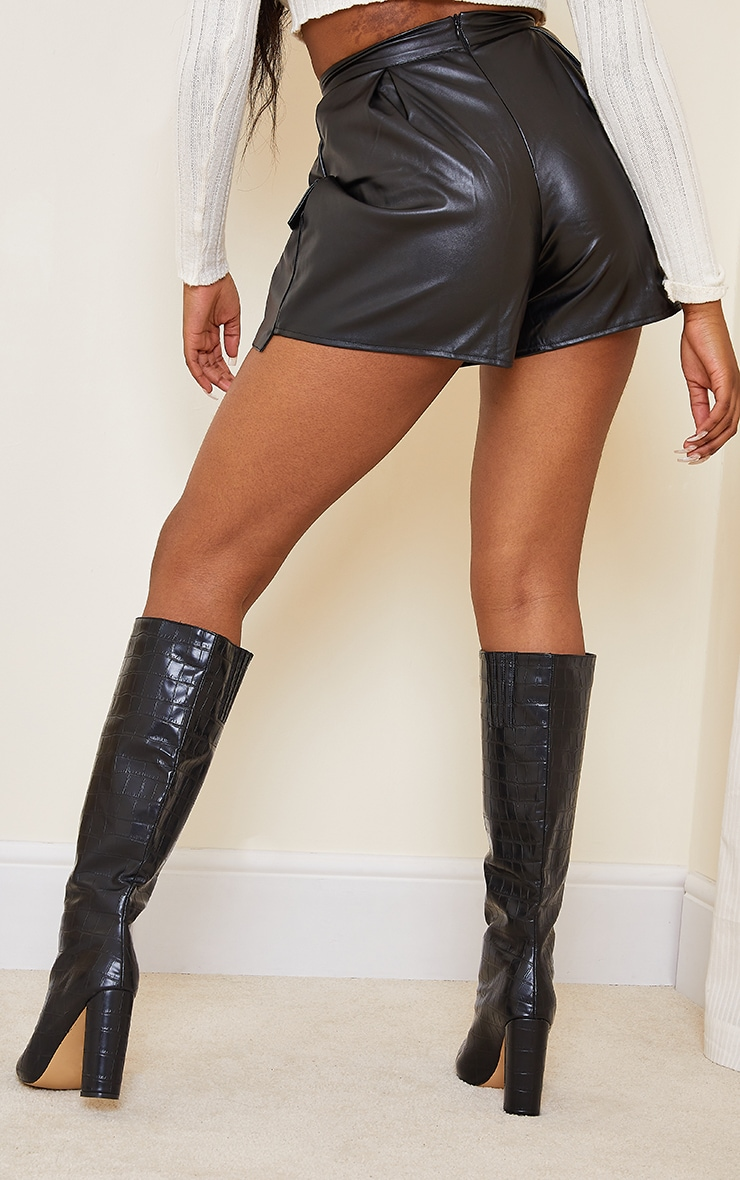 Black Faux Leather Pocket Detail Pleated Shorts 3