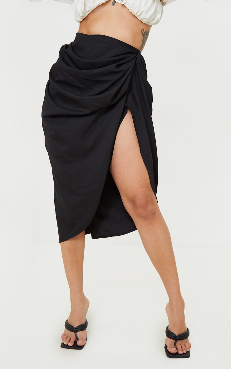 Petite - Jupe mi-longue noire à côté froncé 2