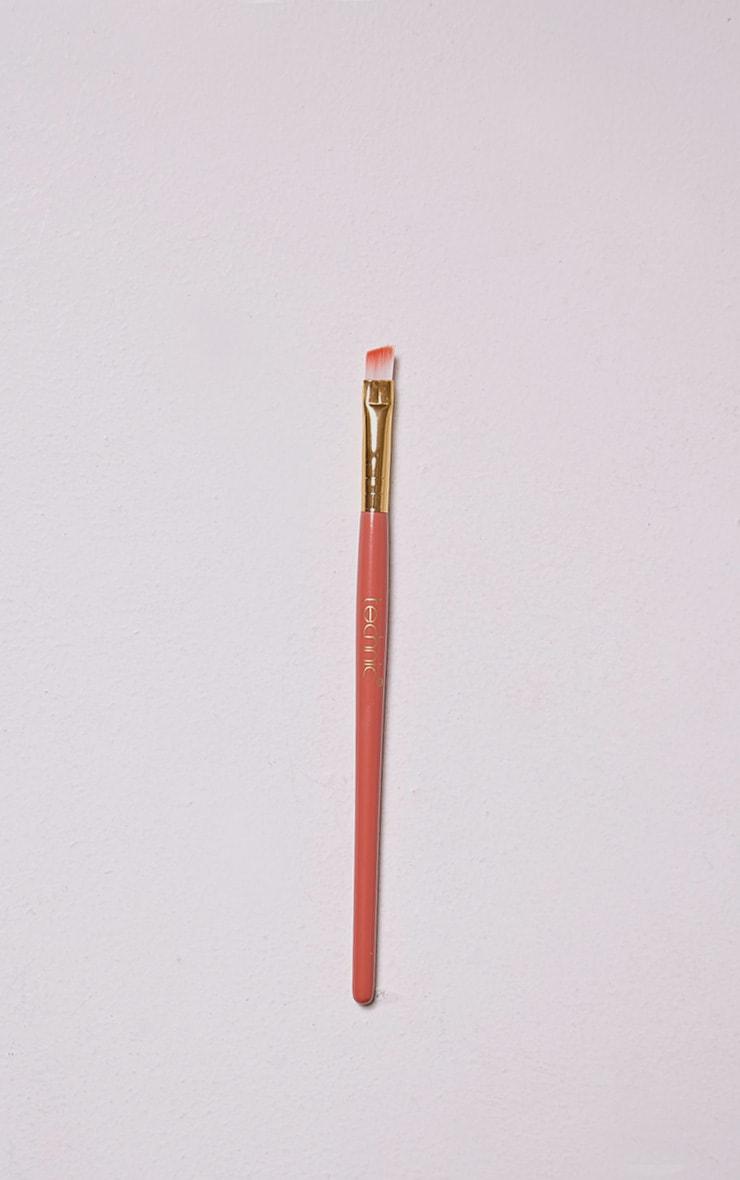 Technic Slanted Eyeshadow Brush 1