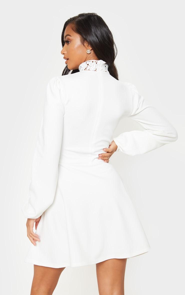 Petite - Robe patineuse blanche à manches longues et détail dentelle 2