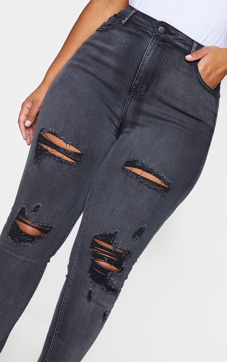 PRETTYLITTLETHING Plus Washed Black Distressed 5 Pocket Skinny Jeans 4