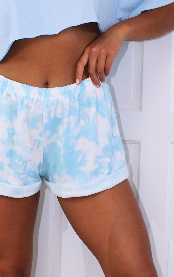 Petite Baby Blue Tie Dye Runner Short 5