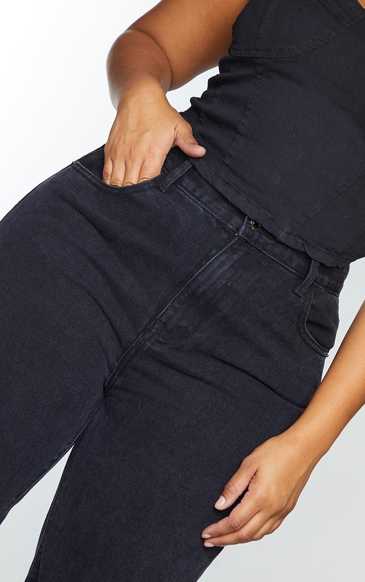 PRETTYLITTLETHING Plus Black Long Leg Straight Jeans 4