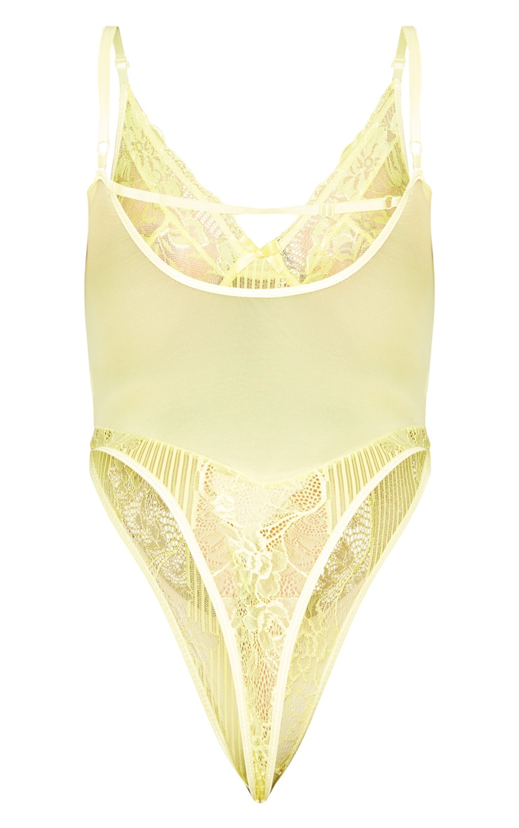 Plus Yellow Striped Laced Cup Detail Body 4