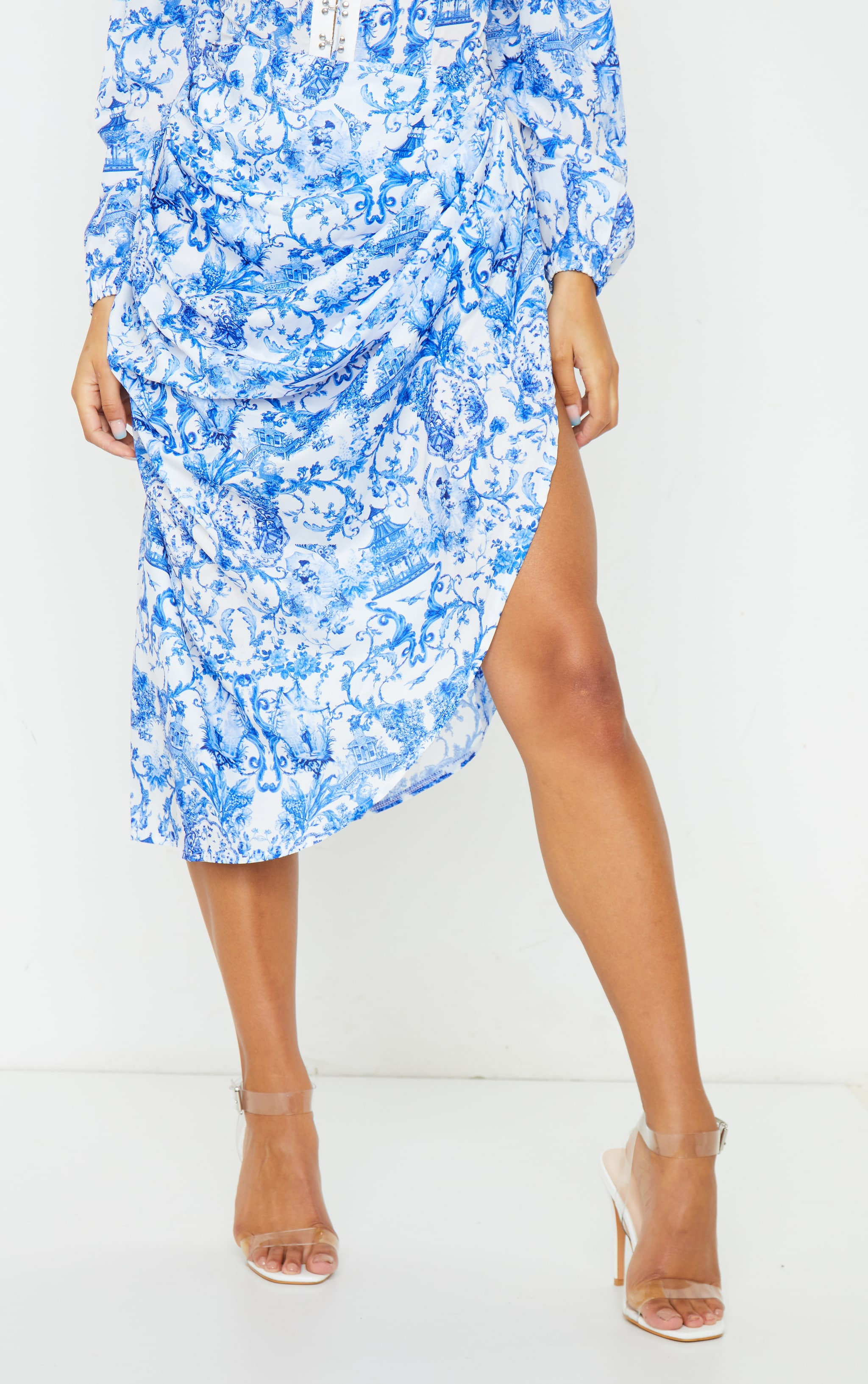 Blue Porcelain Print Ruched Side Midi Skirt 2