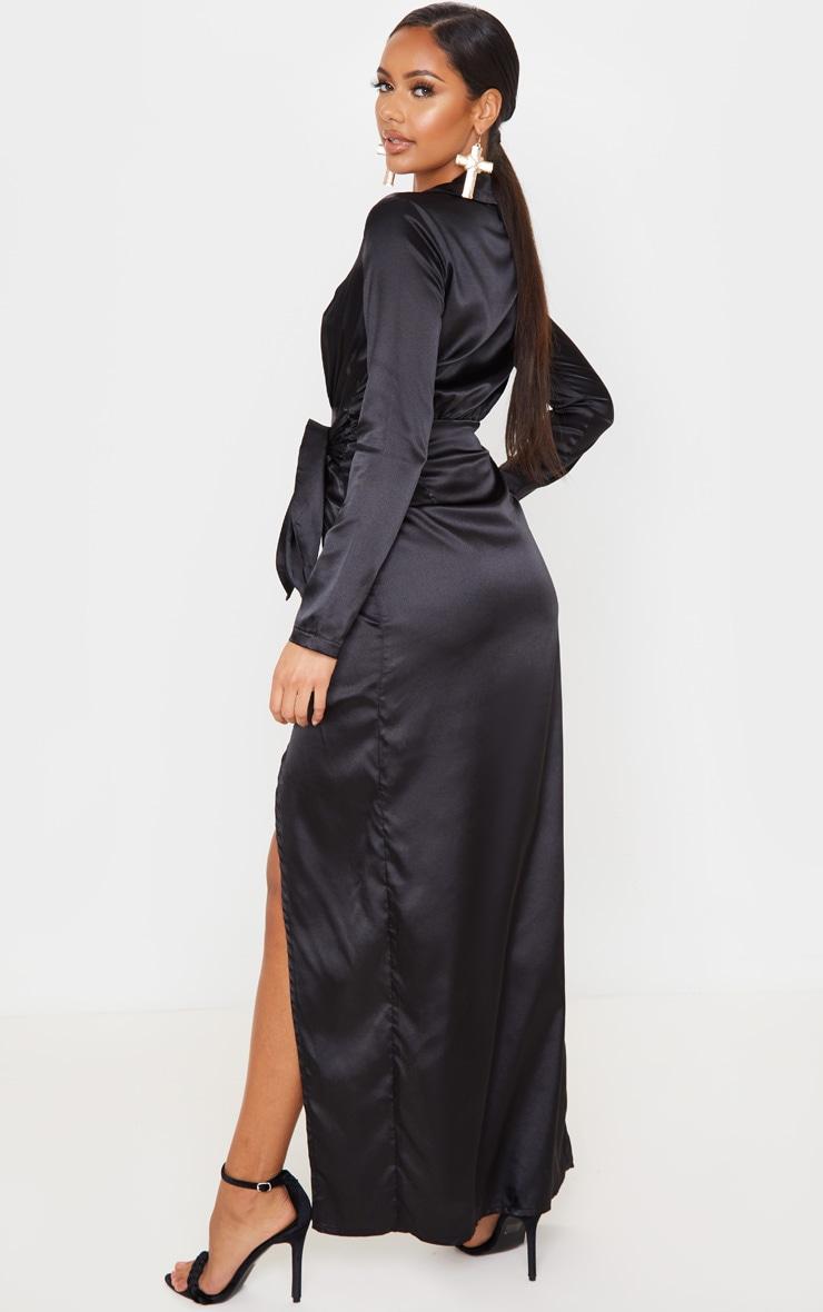 Robe longue satinée noire à détail cache-coeur 2