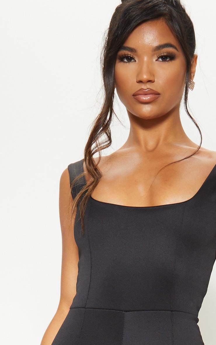 Combinaison noire à encolure carrée et coutures apparentes 5