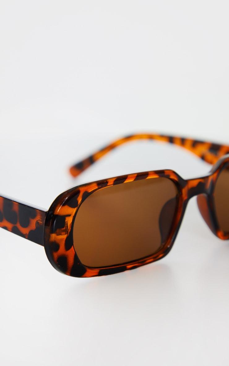 Brown Tortoise Round Frame Slim Sunglasses 3