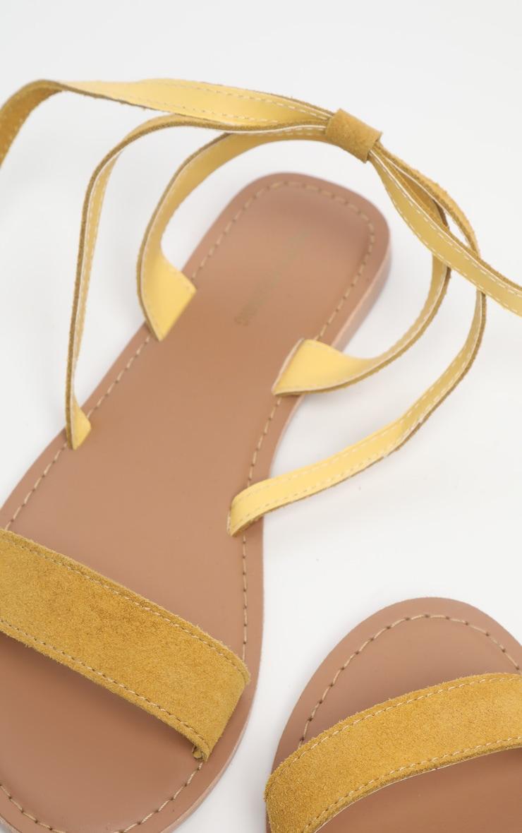 Sandales basiques en cuir jaune moutarde 3