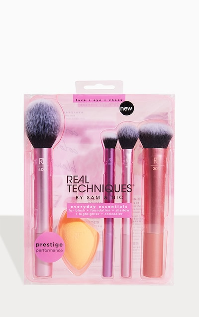 Christmas Gifts Under 20.Real Techniques Everyday Essentials Brush Set