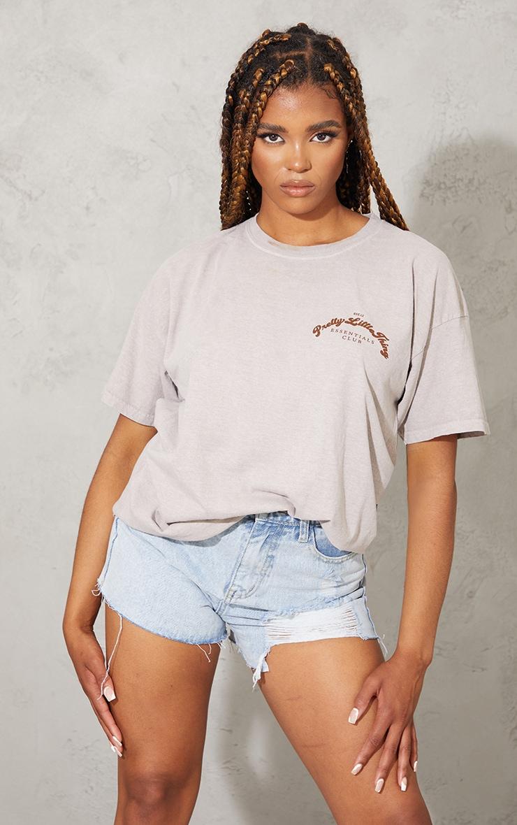 PRETTYLITTLETHING Cream Essentials Print Washed T Shirt 1