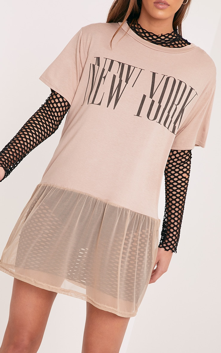 NEW YORK Spliced Slogan Nude Mesh Hem T Shirt 5