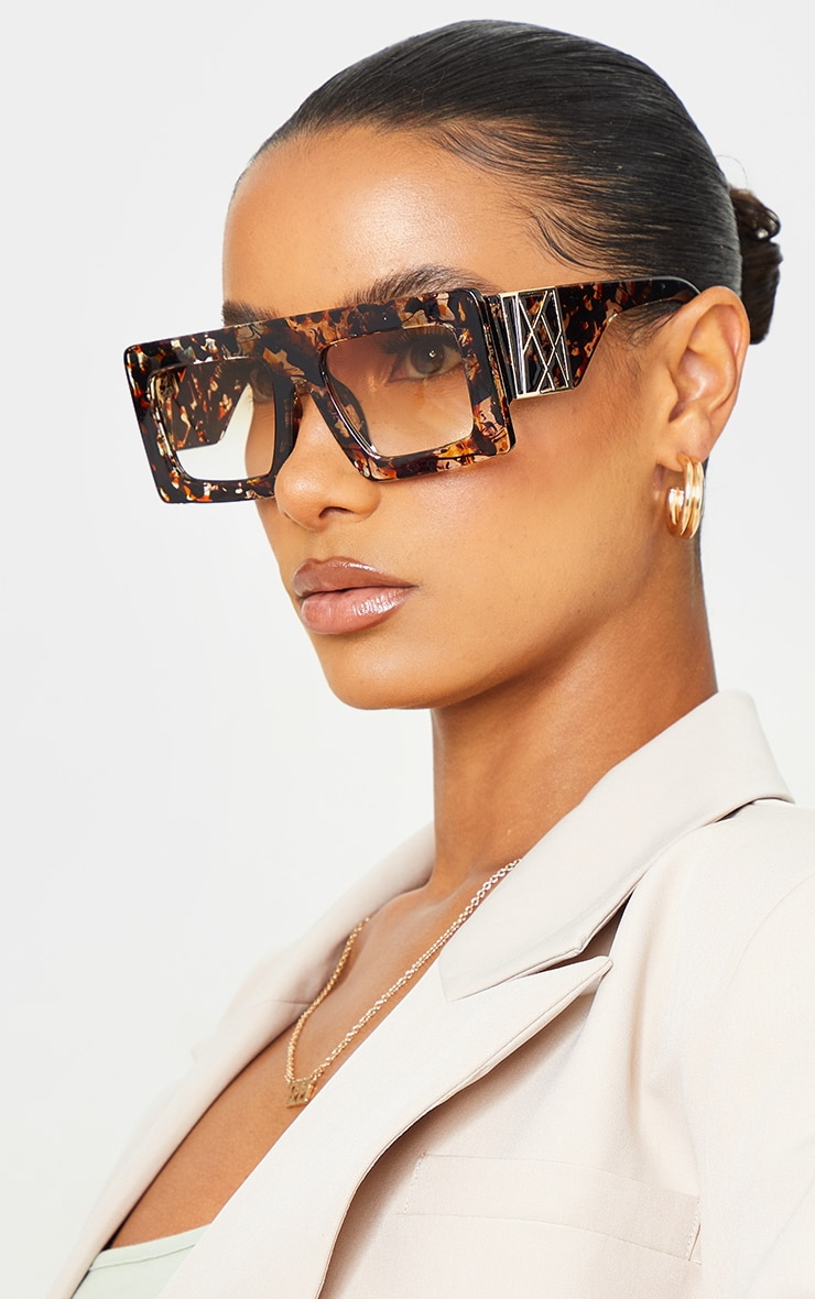 Jeepers Peepers Tort Chunky Gold Side Detail Sunglasses 1