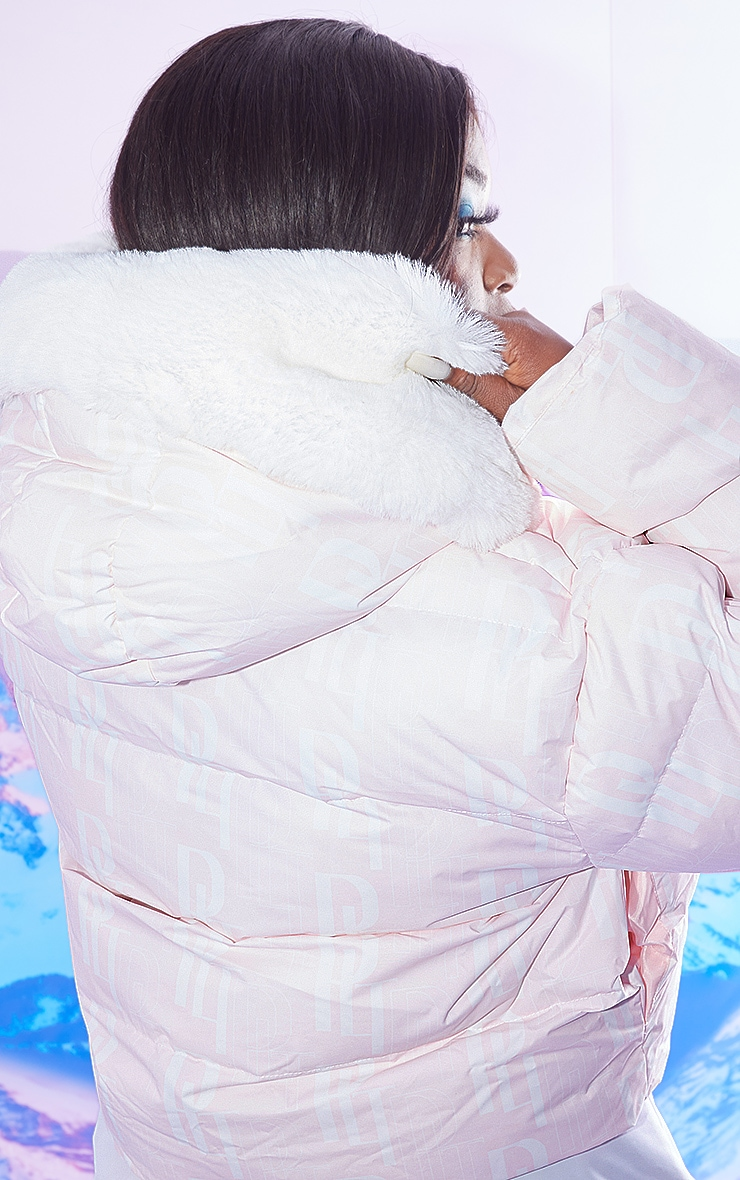 PRETTYLITTLETHING Plus Ski Pastel Pink Faux Fur Hooded Cropped Puffer Coat 2