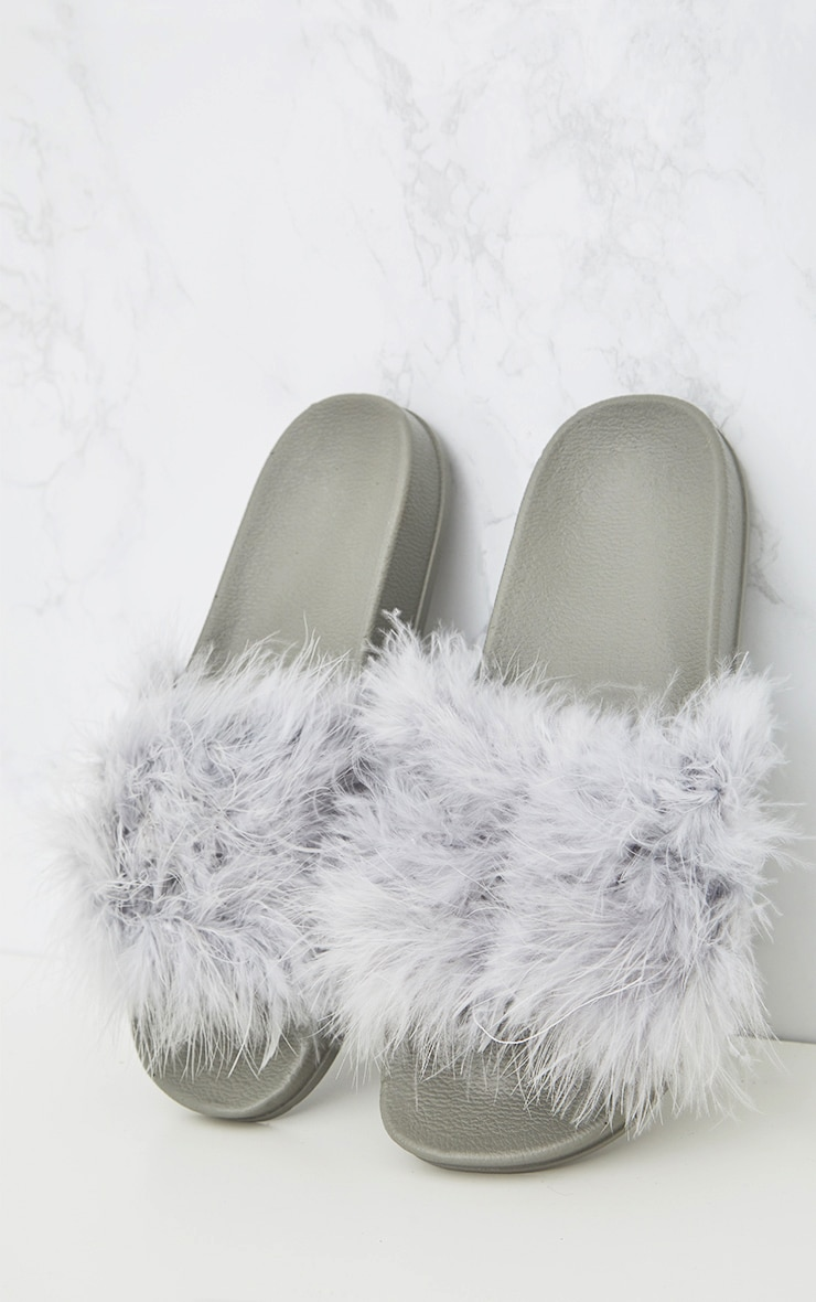 Grey Feather Sliders